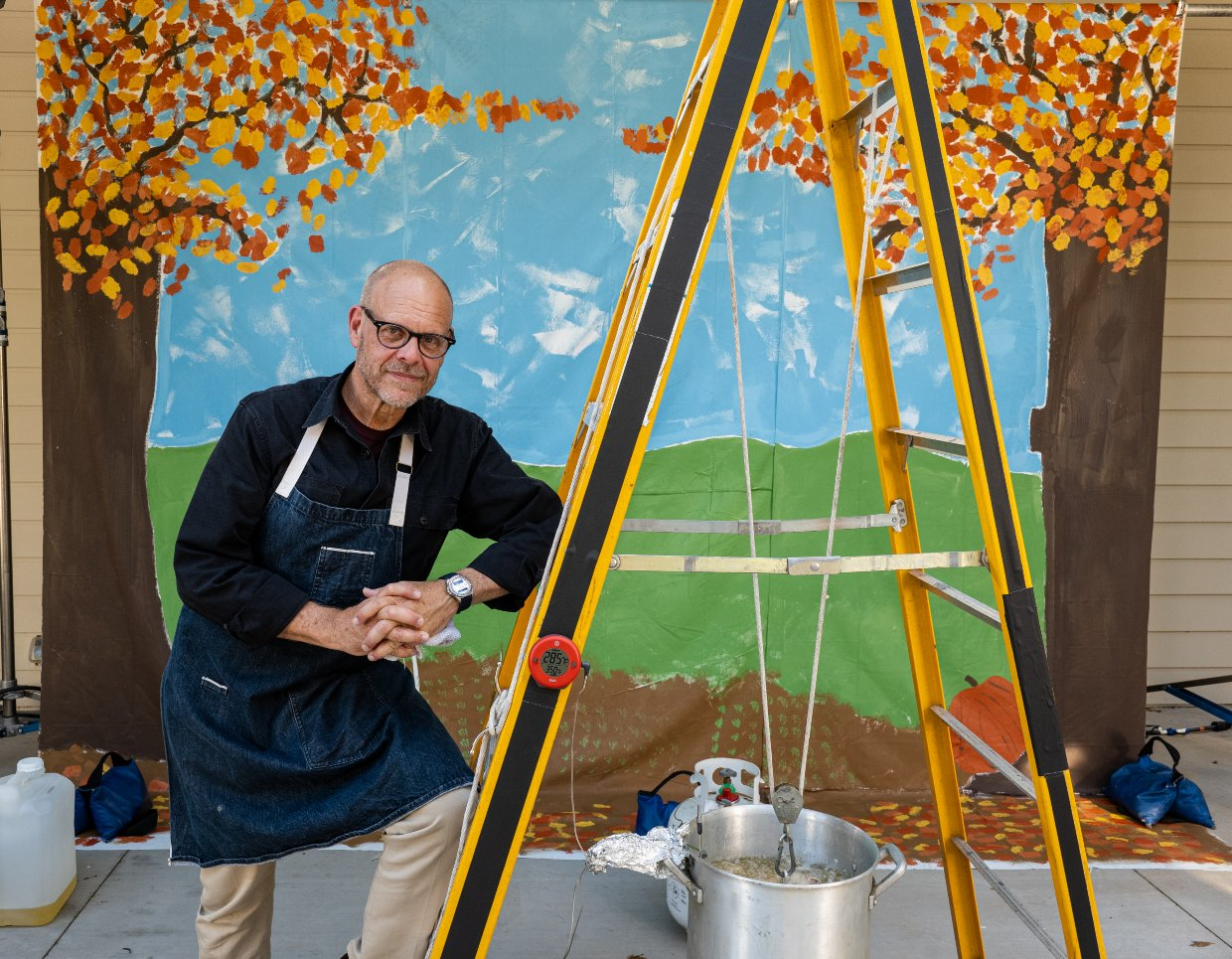 Alton Brown and his Turkey Derrick for deep-frying Thanksgiving turkey.